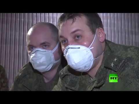 عسكريون روس يشاركون في تجهيز مستشفى ميداني في بيرغامو الإيطالية