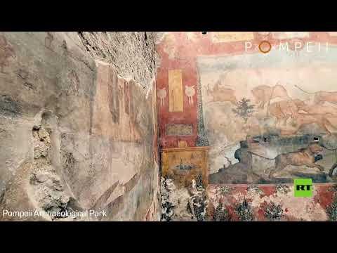 شاهد ترميم لوحة جدارية فريدة عمرها ألفا عام عثر عليها في بومبي